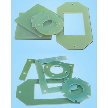 صفحه رزین اپوکسی دارای ابعاد 200mmX200mmX3mm مناسب برای ساخت سازه های رباتیک