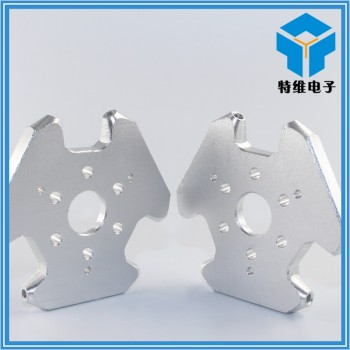 نگهدارنده آلومینیومی اکسترودر مناسب برای پرینترهای سه بعدی دلتا