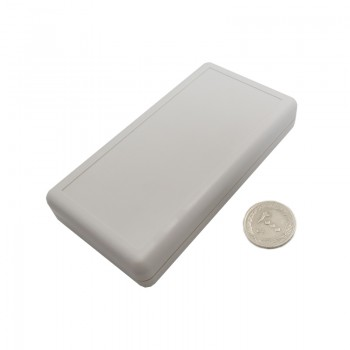باکس پلاستیکی دارای ابعاد 135mm x 70mm x 25mm